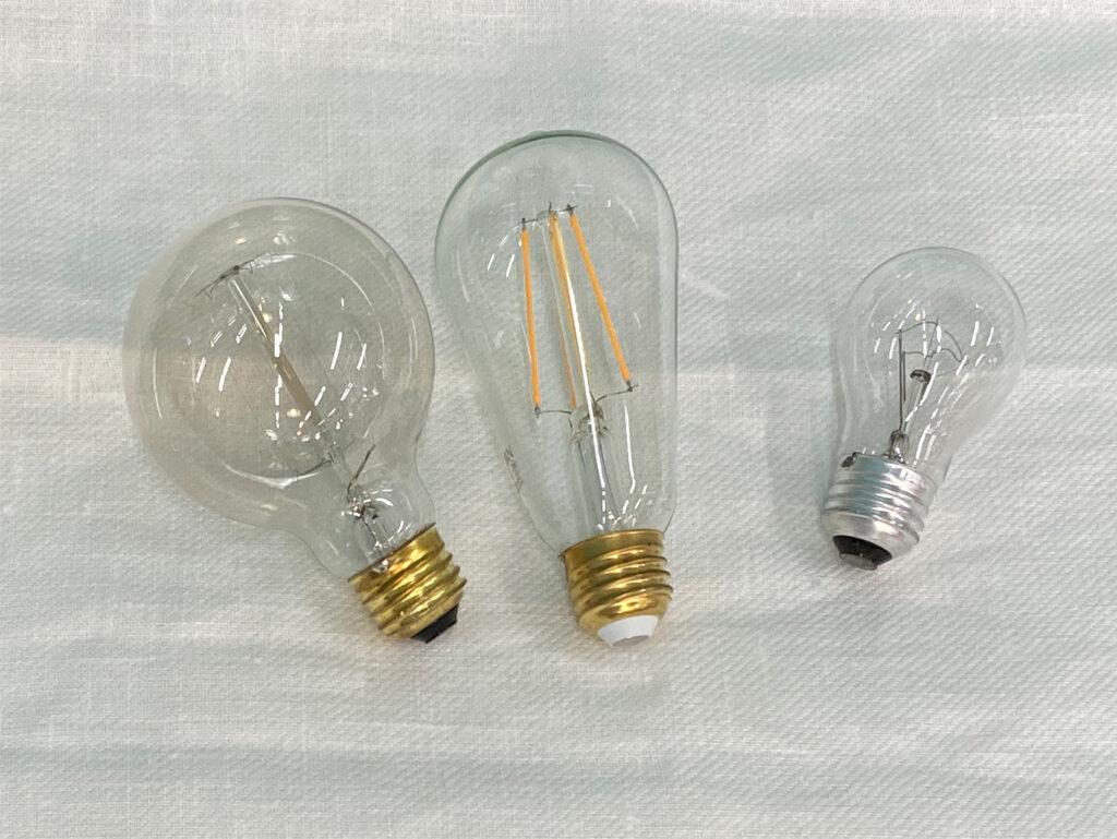 照明を選ぶ時には、電球選びも大事です